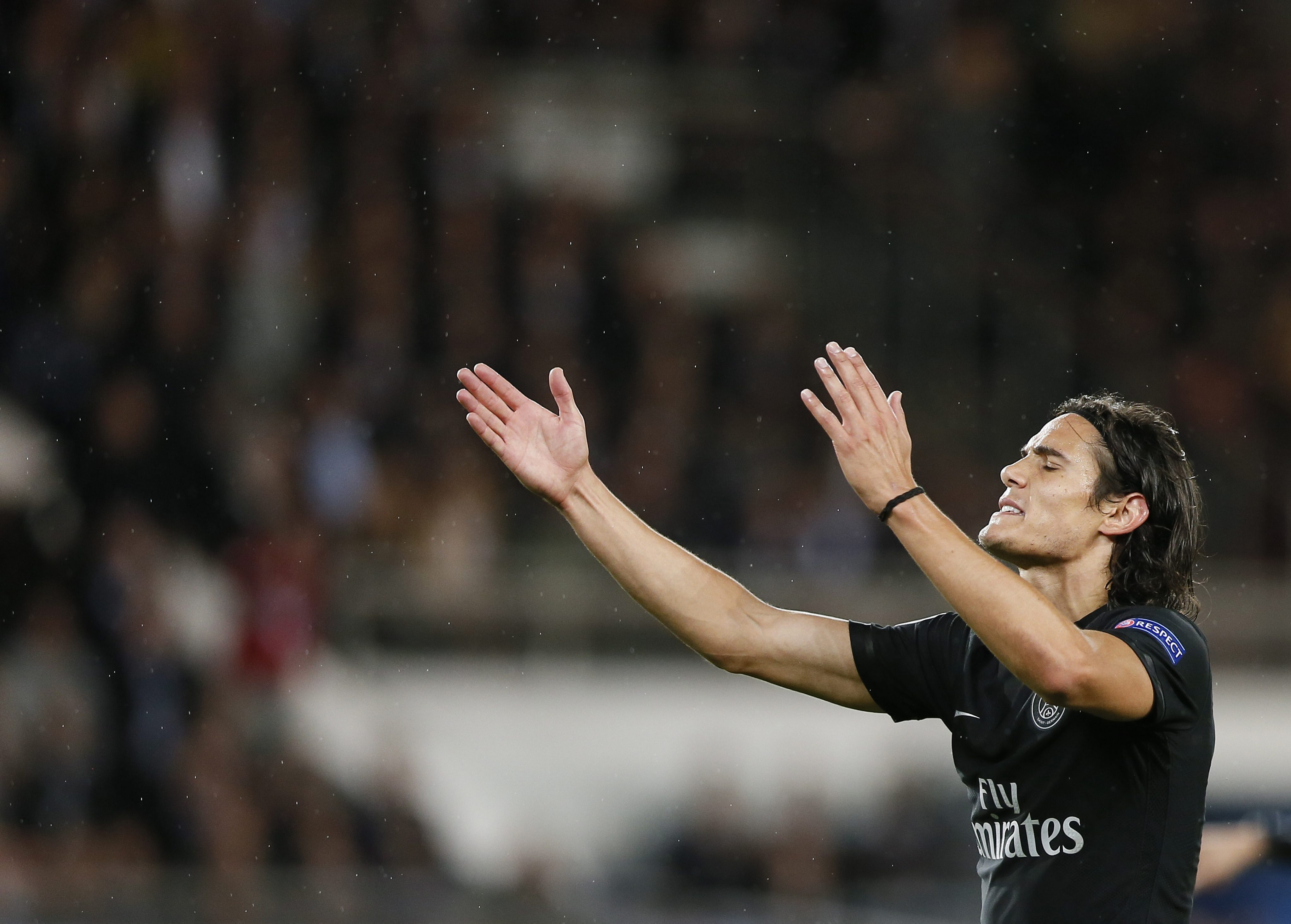 33059f536 Paris Saint-Germain w mistrzowskiej formie. Cztery bramki Cavaniego, dobry  mecz Krychowiaka! - WP SportoweFakty