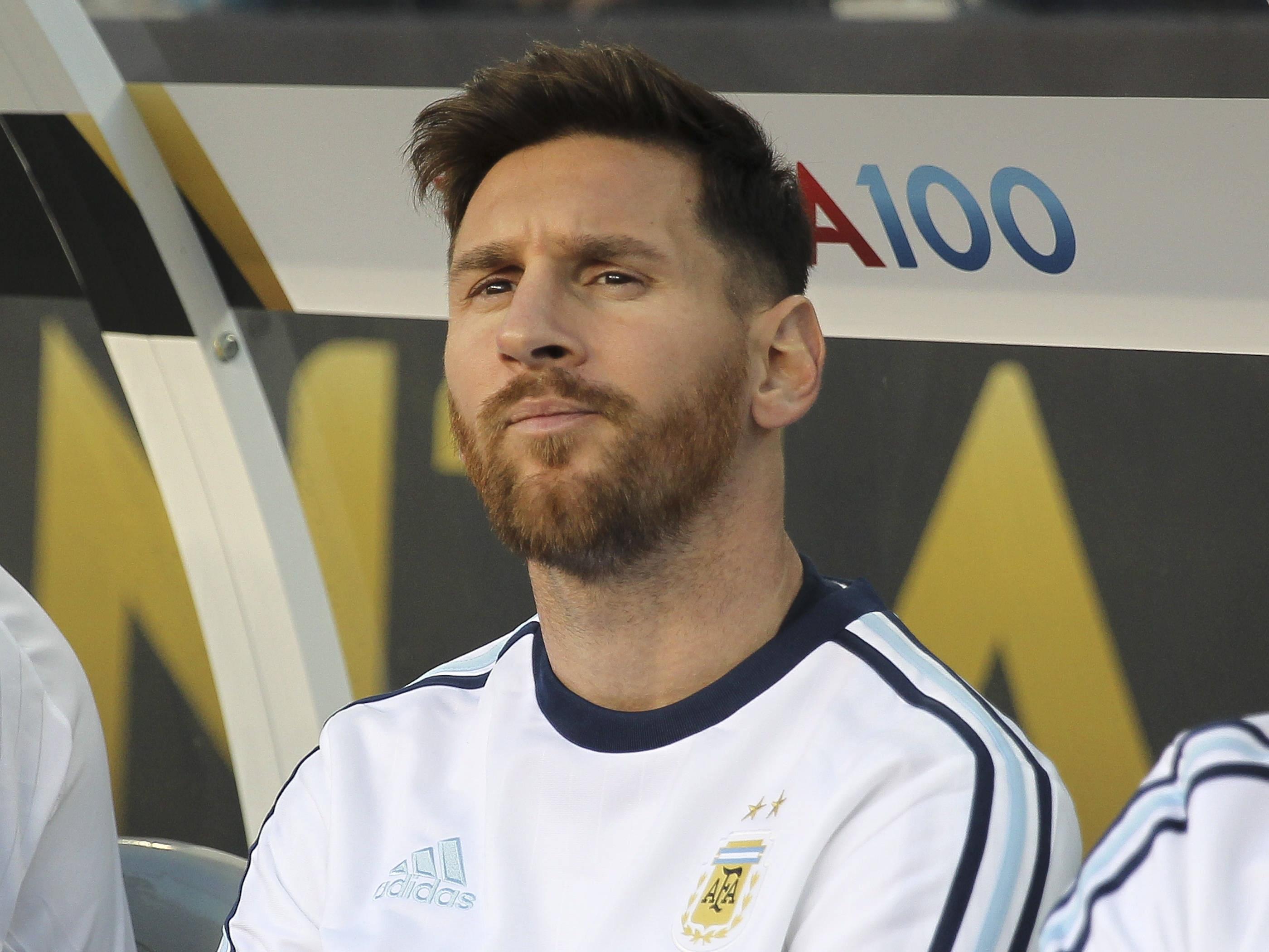 9fcf71044 Leo Messi miał dość krzyków. Tak poradził sobie z uciążliwymi sąsiadami -  WP SportoweFakty