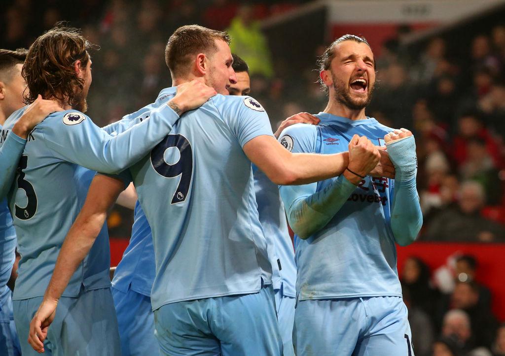 Premier League: zmarnowana szansa Manchesteru United i wstydliwa porażka z Burnley - Sport WP SportoweFakty