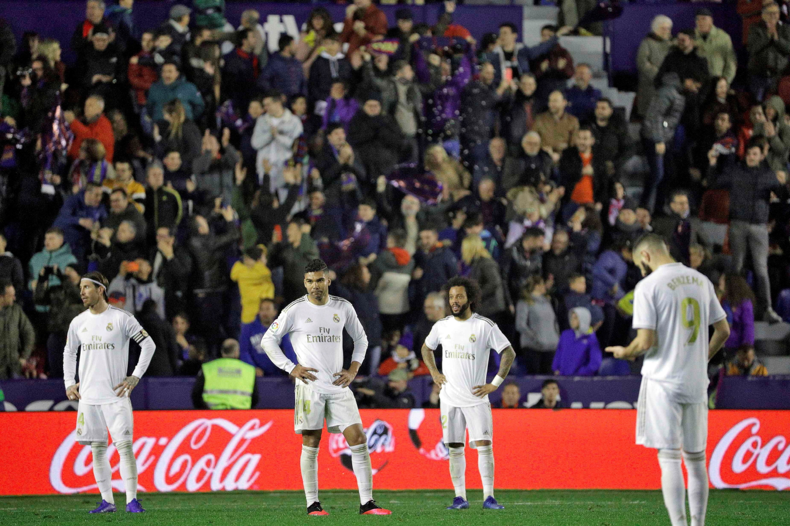 La Liga. Levante - Real Madryt: sensacja! Porażka Królewskich. Barcelona liderem! - Sport WP SportoweFakty